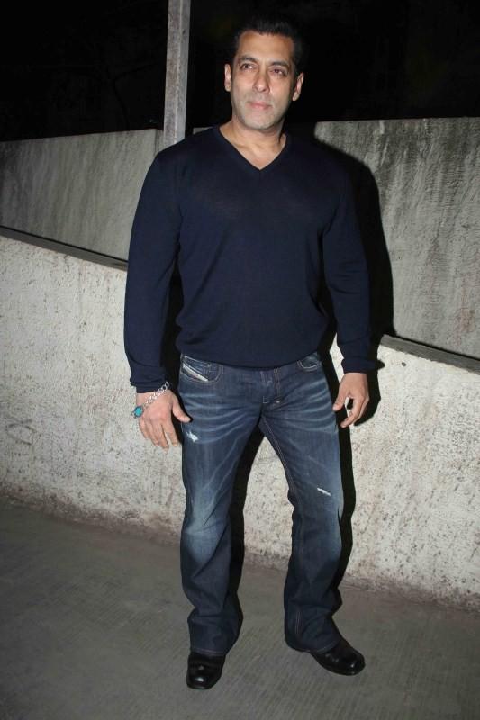 Salman Khan,Aamir Khan,Dangal special screening,Dangal special screening pics,Salman Khan at Dangal special screening,Dangal special screening images,Dangal special screening photos,Dangal special screening stills,Dangal special screening pictures