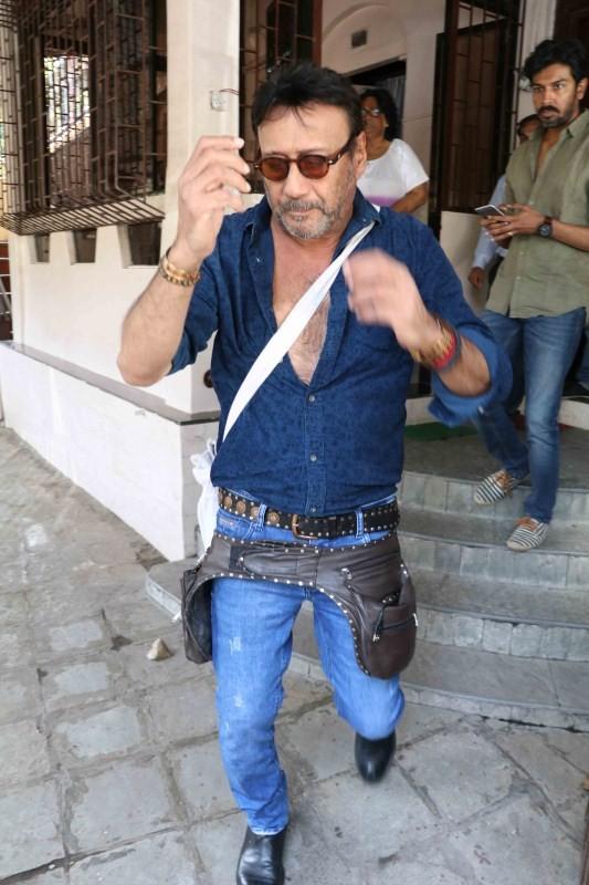 Jackie Shroff and Sonam Kapoor,Jackie Shroff,Sonam Kapoor,Jackie Shroff spotted at Bandra,Jackie Shroff at Bandra,Sonam Kapoor spotted at Bandra,Sonam Kapoor at Bandra