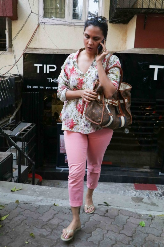Shamita Shetty and Lara Dutta,Shamita Shetty,Lara Dutta,Lara Dutta spotted at Bandra,Shamita Shetty spotted at Bandra