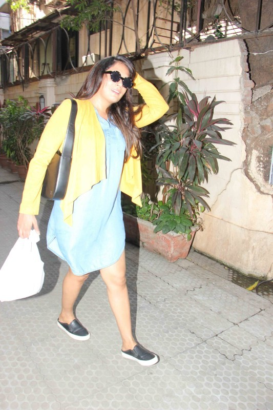Richa Chadda,Richa Chadda spotted at Bandra,Richa Chadda at Bandra,actress Richa Chadda,Richa Chadda pics,Richa Chadda images,Richa Chadda photos,Richa Chadda stills,Richa Chadda pictures