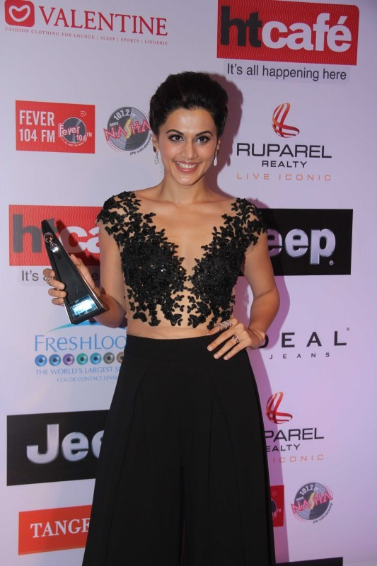 Shahid Kapoor and Tapsee Pannu,Shahid Kapoor,Tapsee Pannu,Tapsee Pannu at HT Most Stylish Awards 2017,Tapsee Pannu at HT Most Stylish Awards,Shahid Kapoor at HT Most Stylish Awards 2017,Shahid Kapoor at HT Most Stylish Awards