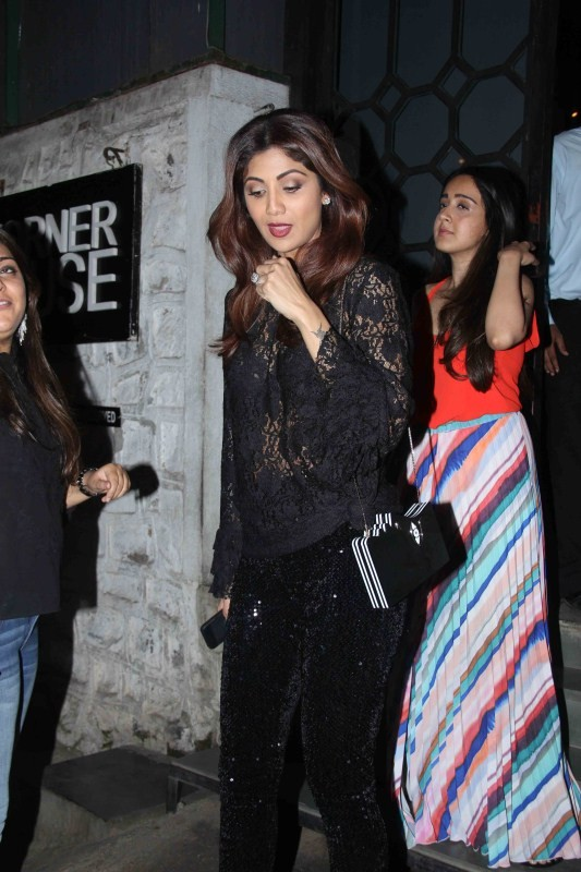 Shilpa Shetty,actress Shilpa Shetty,Shilpa Shetty in Black dress,Shilpa Shetty at Bandra,Shilpa Shetty spotted at Bandra,Shilpa Shetty pics,Shilpa Shetty images,Shilpa Shetty photos,Shilpa Shetty stills,Shilpa Shetty pictures