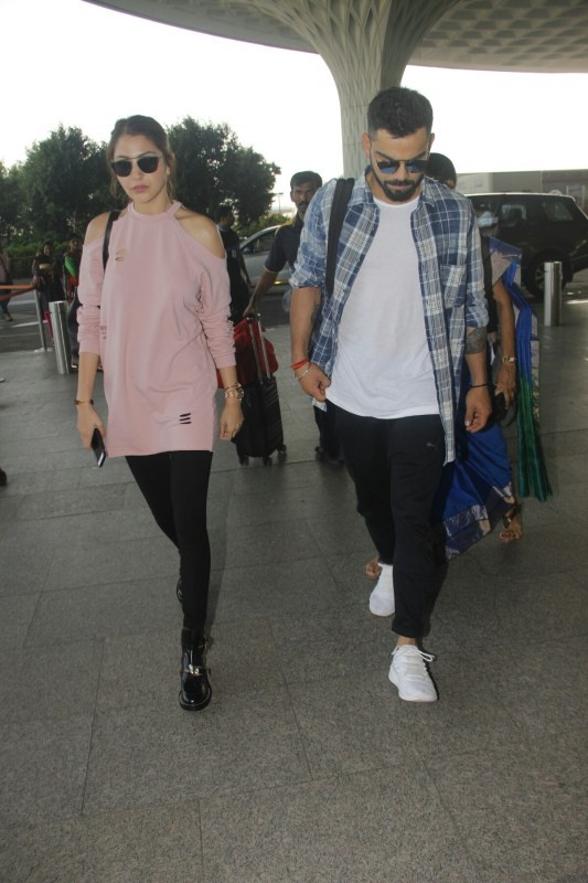 Virat Kohli and Anushka Sharma,Virat Kohli,Anushka Sharma,Virat Kohli and Anushka Sharma pics,Virat Kohli and Anushka Sharma images,Virat Kohli and Anushka Sharma stills,Virat Kohli and Anushka Sharma pictures,Virat Kohli and Anushka Sharma photos