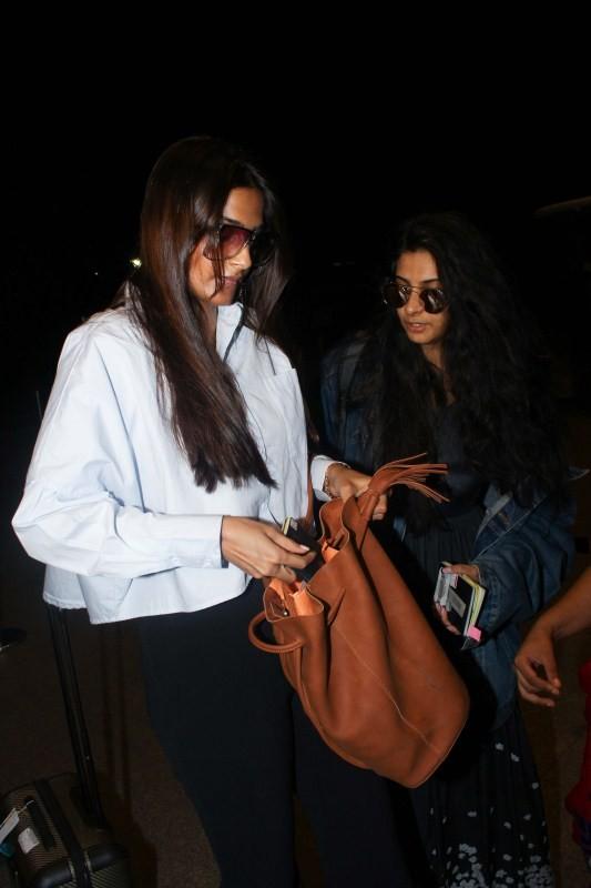Tiger Shroff,Sonam Kapoor,Tiger Shroff and Sonam Kapoor,Tiger Shroff spotted at airport,Sonam Kapoor spotted at airport,Tiger Shroff at airport,Sonam Kapoor at airport
