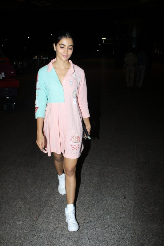 Pooja Hegde at airport,Pooja Hegde spotted at airport,Pooja Hegde,actress Pooja Hegde,Pooja Hegde latest pics,Pooja Hegde latest images,Pooja Hegde latest photos,Pooja Hegde latest sttlls,Pooja Hegde latest pictures