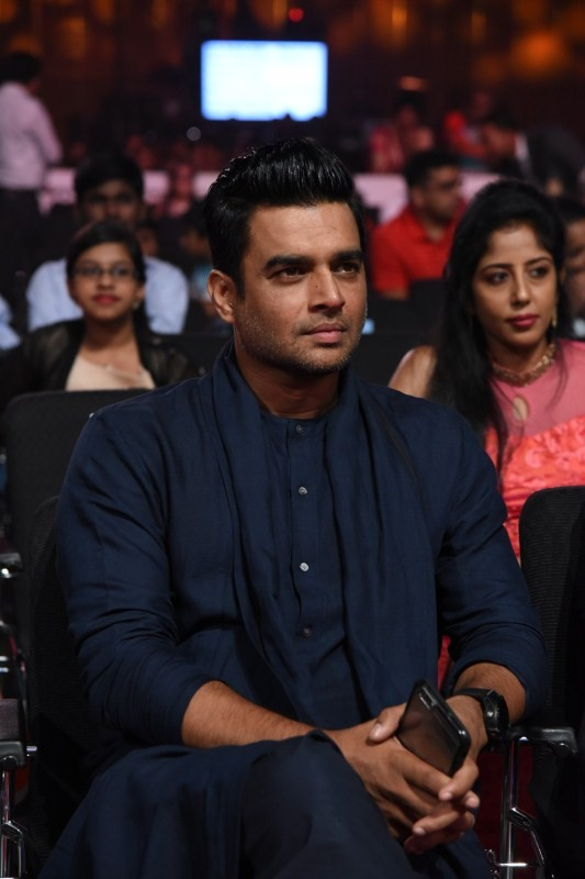 Madhavan,actress Madhavan,Madhavan at SIIMA Awards,Madhavan at SIIMA Awards 2017,SIIMA Awards 2017,SIIMA Awards,SIIMA Awards 2017 pics,SIIMA Awards 2017 images,SIIMA Awards 2017 stills,SIIMA Awards 2017 pictures