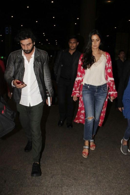 Ranbir Kapoor and Katrina Kaif,Ranbir Kapoor,Katrina Kaif,Ranbir Kapoor snapped at airport,Katrina Kaif snapped at airport