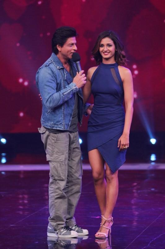Shah Rukh Khan,actor Shah Rukh Khan,Shah Rukh Khan romances with Shakti Mohan,Shah Rukh Khan romances Shakti Mohan,Shakti Mohan,Dance + Season 3,Dance +