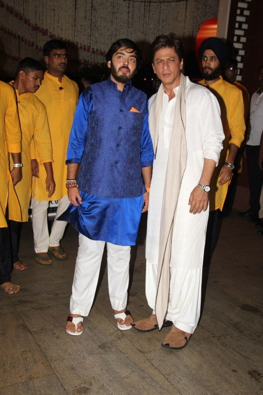 Ganesh Chaturathi Celebrations,Mukesh Ambani Ganesh Chaturathi Celebrations,Aamir Khan,Salman Khan,Shah Rukh Khan,Mukesh Ambani Ganesh Chaturathi Celebrations bash