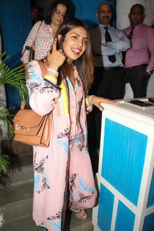 Priyanka Chopra,actress Priyanka Chopra,Priyanka Chopra at Olive Bar,Priyanka Chopra snapped at Olive Bar,Priyanka Chopra new pics,Priyanka Chopra new images,Priyanka Chopra new stills,Priyanka Chopra new pictures