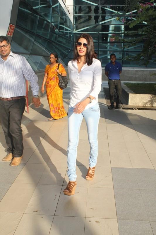 Celebs spotted,Mumbai Airport,Hrithik Roshan,Sherlyn Chopra,Hema Malini,photos