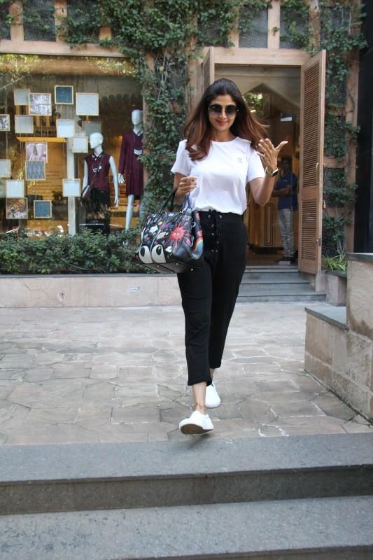 Shilpa Shetty,actress Shilpa Shetty,Shilpa Shetty Kundra,Shilpa Shetty at Anita Dongre's store,Anita Dongre store
