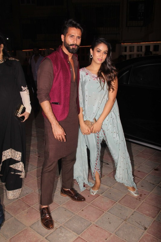 Shahid Kapoor and Mira Rajput,Shahid Kapoor,Mira Rajput,Shahid Kapoor and Mira Rajput celebrate Diwali,Masaba Gupta,Diwali,Diwali 2017,Diwali celebrations