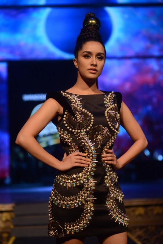 Shraddha Kapoor,actress Shraddha Kapoor,shraddha kapoor in Blenders Pride fashion tour show,Blenders Pride fashion tour show,Shraddha Kapoor walks the ramp
