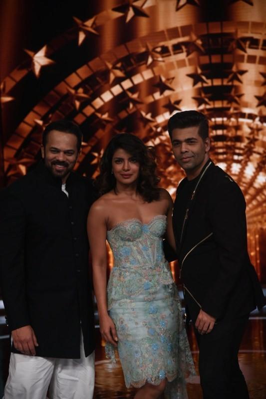 Priyanka Chopra,hot Priyanka Chopra,Priyanka Chopra curves,Karan Johar and Rohit Shetty,Karan Johar,Rohit Shetty,India's Next Super Star