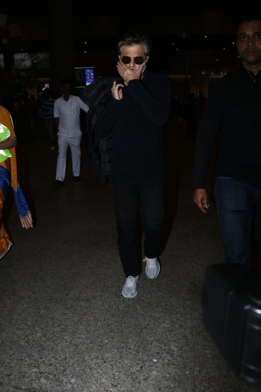 Anil Kapoor,Anil Kapoor spotted at Airport,Anil Kapoor spotted at Chhatrapati Shivaji Maharaj airport,actor Anil Kapoor,Anil Kapoor latest pics,Anil Kapoor latest images,Anil Kapoor latest stills,Anil Kapoor latest pictures,Anil Kapoor latest photos