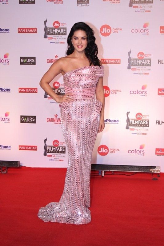 Preity Zinta,Ranveer Singh,Rakul Preet Singh,Sunny Leone,63rd Jio Filmfare Awards 2018,Jio Filmfare Awards 2018,Jio Filmfare Awards,Jio Filmfare Awards pics,Jio Filmfare Awards images,Jio Filmfare Awards stills,Jio Filmfare Awards pictures