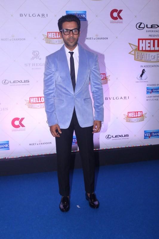 Sidharth Malhotra,Karan Johar,Kriti Sanon,Pooja Hegde,Hello Hall of Fame Awards 2018,Hello Hall of Fame Awards 2018 pics,Hello Hall of Fame Awards 2018 images,Celebs at Hello Hall of Fame Awards 2018