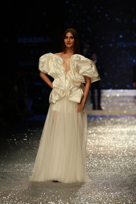 Vaani Kapoor,Diana Penty,Vaani Kapoor pics,Diana Penty pics,Amazon India Fashion Week 2018,Amazon India Fashion Week,Amazon India Fashion Week pics,Amazon India Fashion Week images