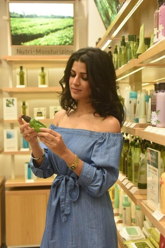 Nimrat Kaur seen shopping at the newly revamped Phoenix ...