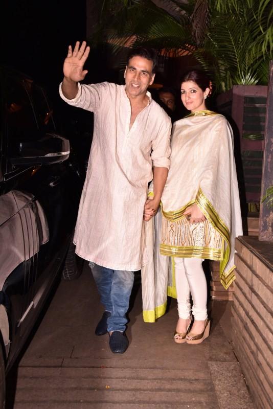 Akshay Kumar and Twinkle Khanna,Akshay Kumar,Twinkle Khanna,Akshay Kumar at Diwali bash,Twinkle Khanna at Diwali bash