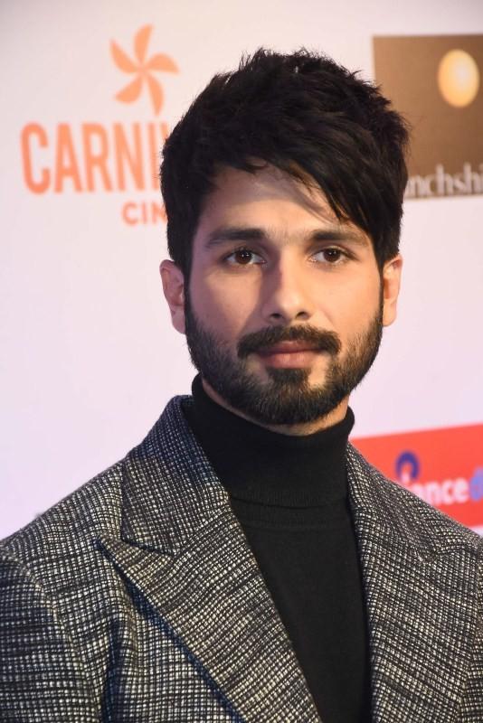 Hrithik Roshan,Shahid Kapoor,Varun Dhawan,Jackie Shroff,Filmfare Glamour & Style Awards 2017,Filmfare Glamour & Style Awards