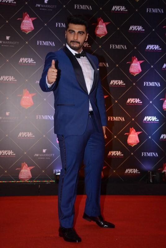 Arjun Kapoor,Disha Patani,Zareen Khan,Pooja Hegde,Nykaa Femina Beauty Awards,celebs at Nykaa Femina Beauty Awards,fashion show,bollywood event