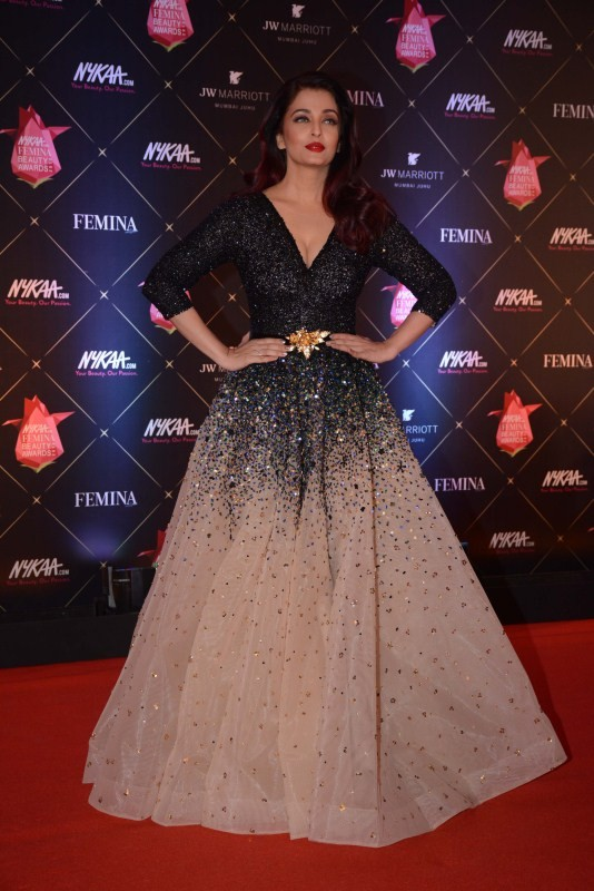 Aishwarya Rai,Rekha,Surveen Chawla,Tanishaa Mukerji,Sangeeta Bijlani,Nykaa Femina Beauty Awards 2018,celebs at Nykaa Femina Beauty Awards 2018,Nykaa Femina Beauty Awards 2018 pics,Nykaa Femina Beauty Awards 2018 images,Nykaa Femina Beauty Awards pics