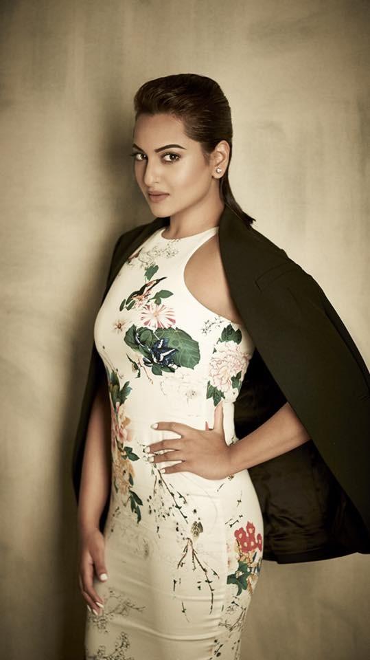 Sonakshi Sinha,actress Sonakshi Sinha,Sonakshi Sinha latest pics,actress Sonakshi Sinha pics,bollywood actress pics