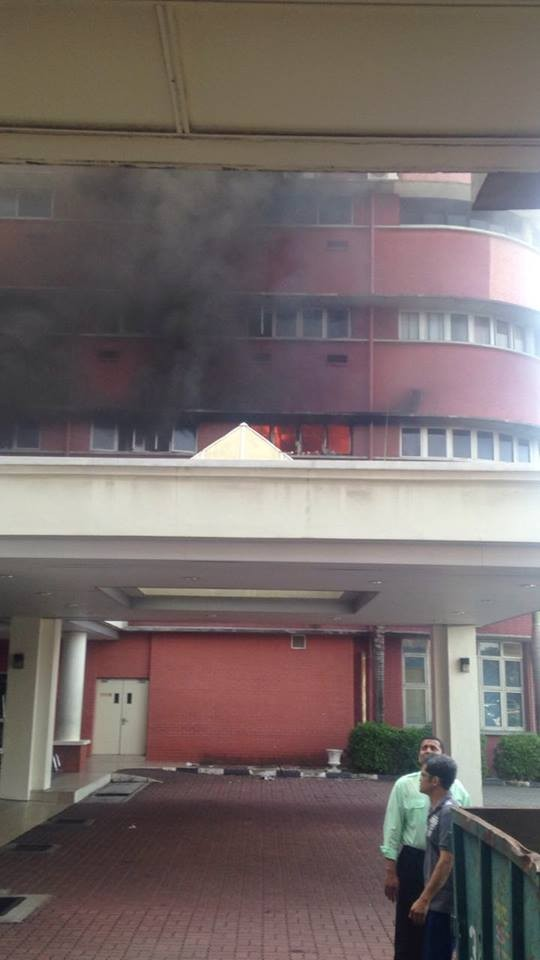 Fire breaks at Sultanah Aminah hospital,Sultanah Aminah hospital,Sultanah Aminah hospital in JB,Fire erupts at JB's Sultanah Aminah hospital,Fire erupts at Sultanah Aminah hospital,JB's Sultanah Aminah hospital
