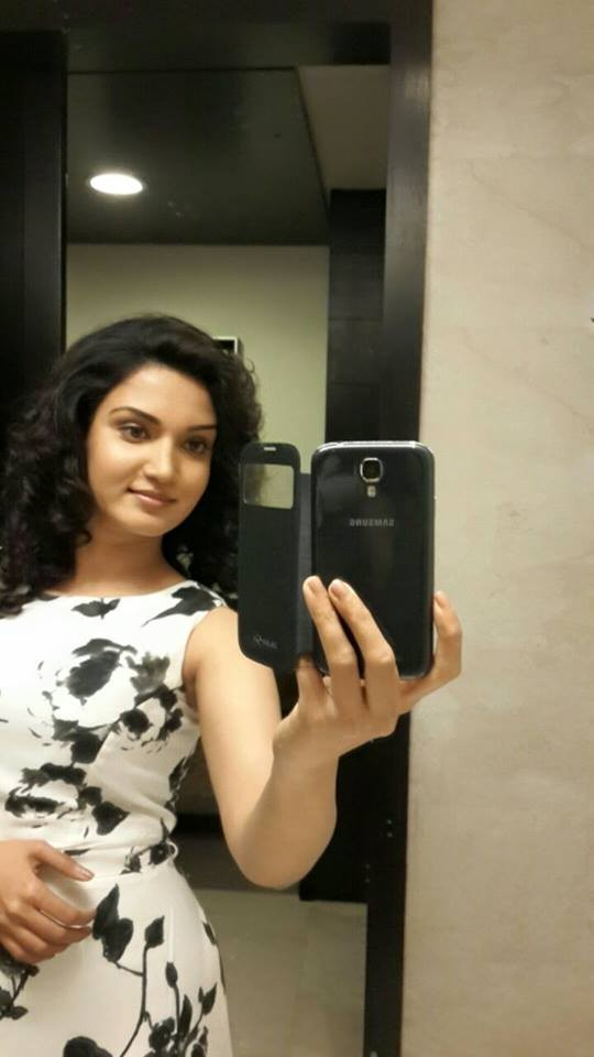 Honey rose,honey rose photos,honey rose rare and unseen photos,honey rose hot photos,trivandrum lodge,honey rose films