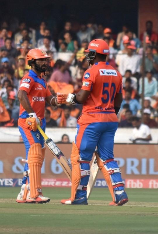 Hyderabad,Gujarat,Rashid Khan,Bhuvneshwar Kumar,Sunrisers Hyderabad,Gujarat Lions,IPL,IPL 2017,Indian Premier League,Indian Premier League 2017