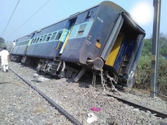 Meerut-Lucknow,Rajya Rani Express derail,Rajya Rani,Rajya Rani Express,Rajya Rani Express train,Rampur,Uttar Pradesh