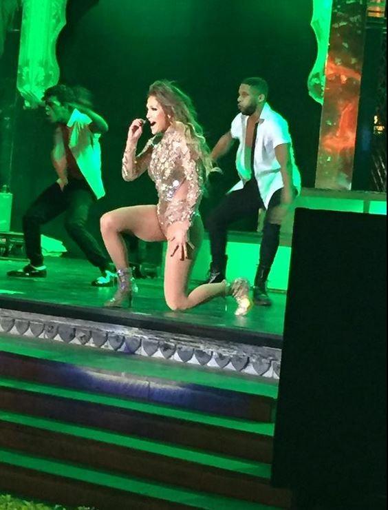 Jennifer Lopez Performs Live at Hinduja Wedding