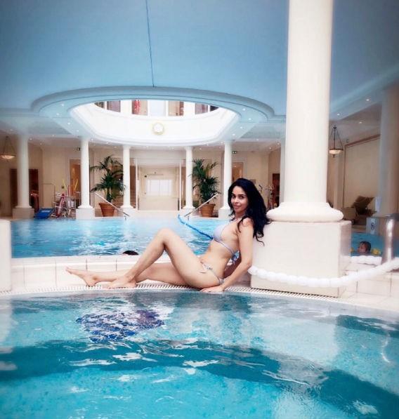 Mallika Sherawat,actress Mallika Sherawat,Mallika Sherawat bikini,Mallika Sherawat bikini pics,Mallika Sherawat bikini images,Mallika Sherawat bikini stills,Mallika Sherawat hot pics,Mallika Sherawat hot images