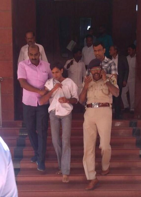 Karnataka Lokayukta Justice P. Vishwanath Shetty,P. Vishwanath Shetty,Vishwanath Shetty,Vishwanath Shetty  stabbed,Karnataka Lokayukta,karnataka lokayukta stabbed