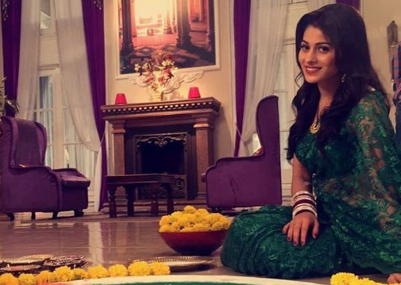 This is what Aparna Dixit has to say about her link-up rumours with Arjun Bijlani and Krip Suri