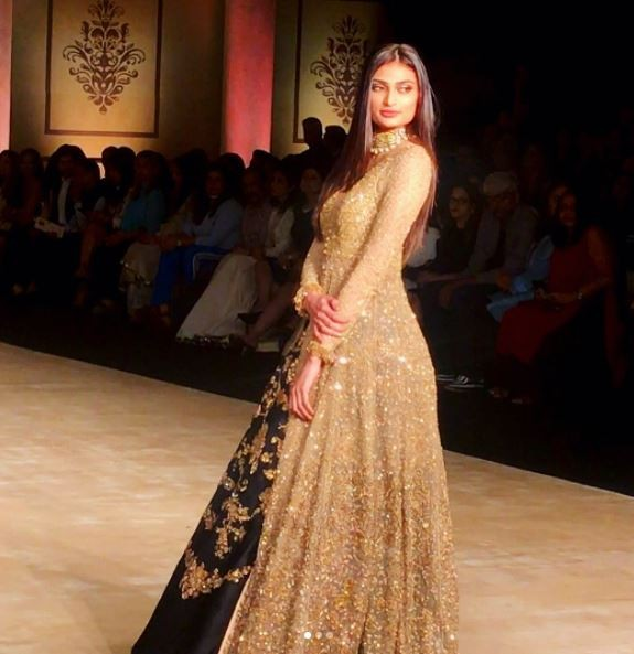 Athiya Shetty,actress Athiya Shetty,Athiya Shetty at ICW 2017,ICW 2017,India Couture Week,India Couture Week 2017
