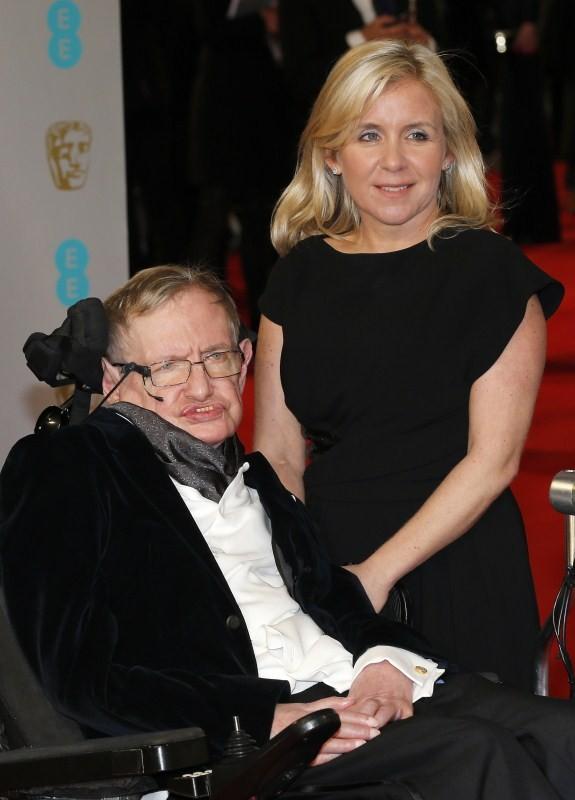 Stephen Hawking passes away,Stephen Hawking,Stephen Hawking dies,Stephen Hawking dead,Stephen Hawking pics,Stephen Hawking rare pics,Stephen Hawking rare images,Stephen Hawking wallpaper