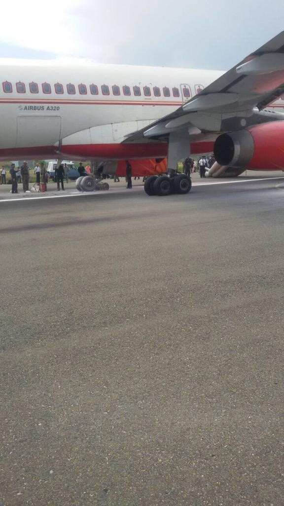 Air India,Tyre Burst,Air India tyre burst,srinagar,Air India accident