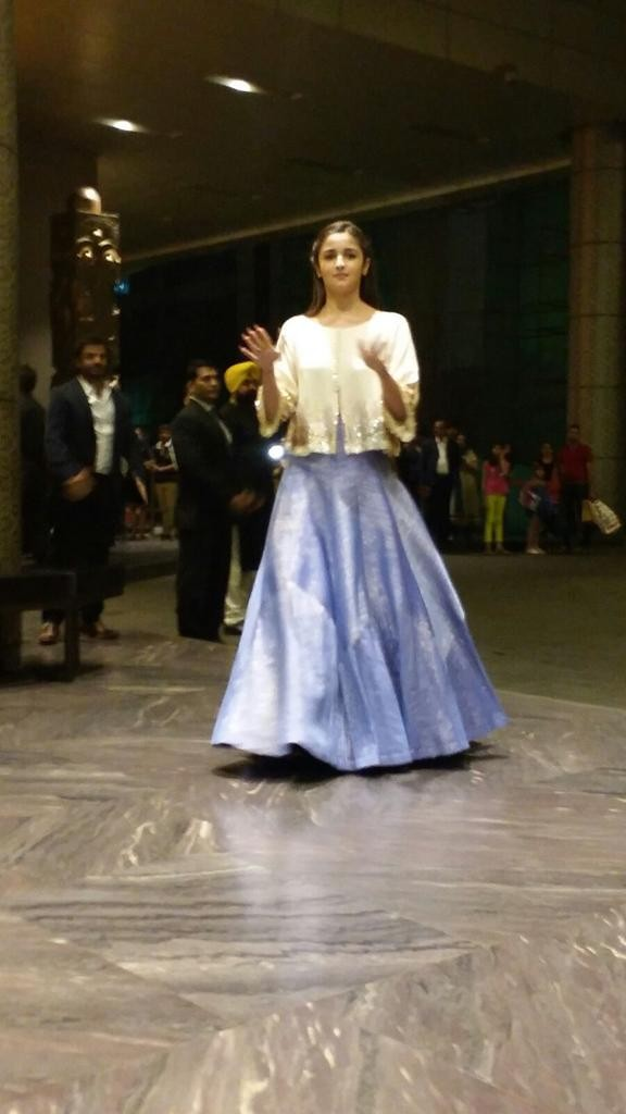Alia Bhatt at Shahid Kapoor Reception,Alia Bhatt,actress Alia Bhatt,Shahid Kapoor Reception,Shahid Kapoor wedding reception,Alia Bhatt latest pics,Alia Bhatt latest images,Alia Bhatt latest photos,Alia Bhatt latest stills,Alia Bhatt latest pictures
