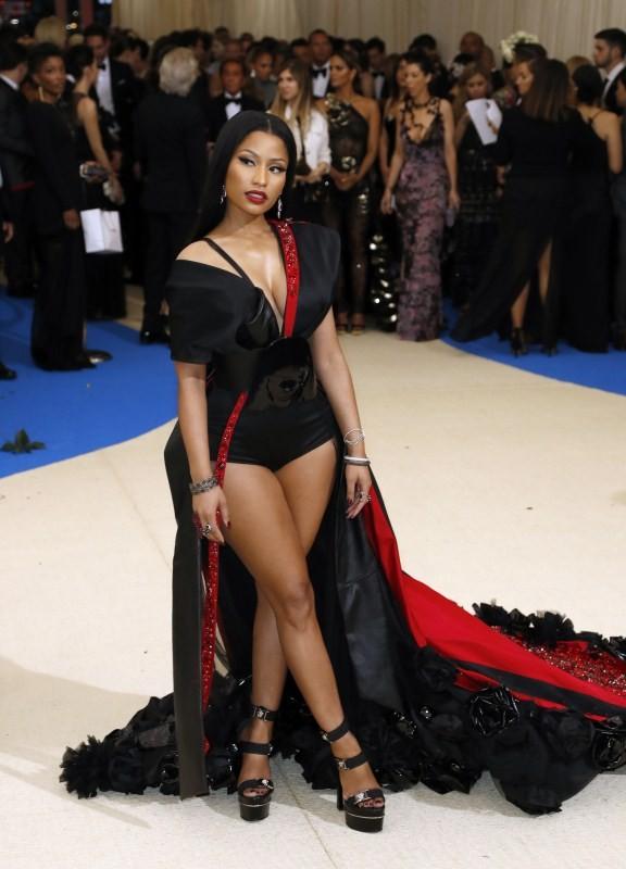 Nicki Minaj,Nicki Minaj shows off curves,nicki minaj boobs,Nicki Minaj boobs photos,Nicki Minaj at Met Gala 2017,Nicki Minaj at Met Gala,Nicki Minaj hot pics,Nicki Minaj hot images,Nicki Minaj hot stills,Nicki Minaj hot pictures