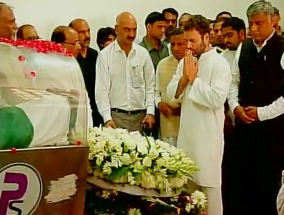 VIP's line up to pay last respects to Dr APJ Abdul Kalam,VIP's pay last respects to Dr APJ Abdul Kalam,Dr APJ Abdul Kalam,Abdul Kalam,last respects to Dr APJ Abdul Kalam,Pay your last respects to former President APJ Abdul Kalam