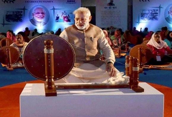 Narendra Modi,Modi,Narendra Modi replaces Gandhi,Modi replaces Gandhi,Khadi Udyog,Khadi Udyog calendar,Mahatma Gandhi,Father of the Nation,Khadi Village Industries Commission,PM Narendra Modi