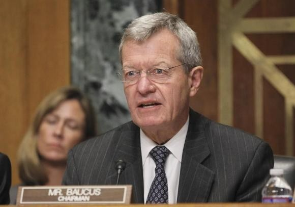 U.S. Senate Finance Committee Chairman Max Baucus questions Health and Human Services Secretary Kathleen Sebelius during a Finance Committee hearing on Capitol Hill in Washington November 6, 2013.