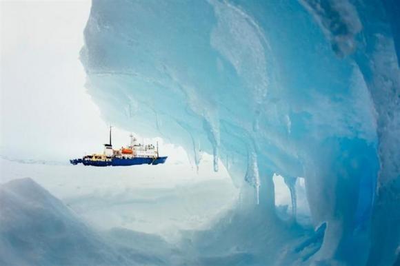 The MV Akademik Shokalskiy is pictured stranded in ice in Antarctica, December 29, 2013.