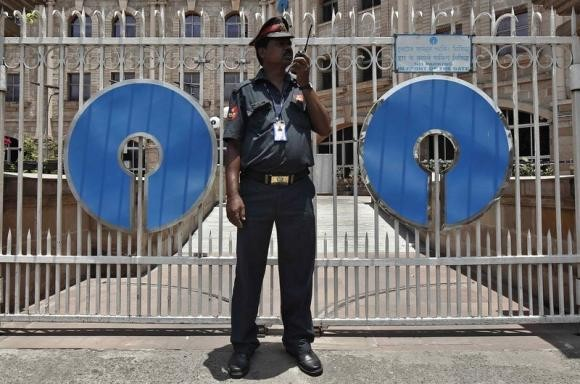 State Bank Of India to raise $300mn