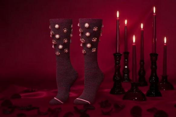 Singer Rihanna,Rihanna,Singer Rihanna unveils socks,Valentine's Day,Rihanna pics,Rihanna images,Rihanna stils,Rihanna pictures,Rihanna photos