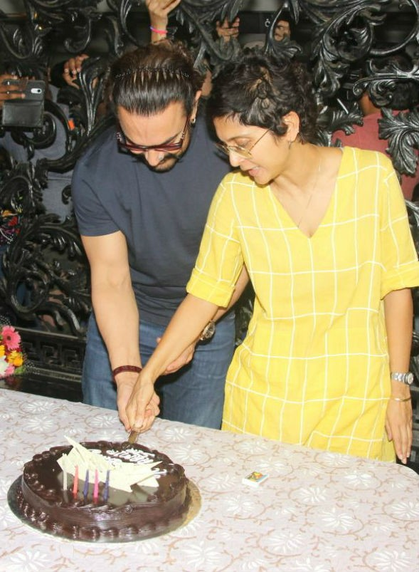 Aamir Khan,Aamir Khan celebrates his 53nd birthday,Aamir Khan 53nd birthday,Aamir Khan birthday celebration,Aamir Khan birthday celebration pics,Aamir Khan birthday celebration images,Aamir Khan celebration