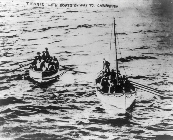 The titantic rare photos,the titantic remains,titanic details,titanic photos,Iceberg collision,Titanic Tragedy and Survival